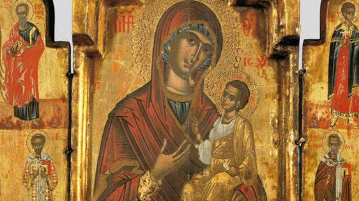 Фото: Иверская икона Божьей Матери