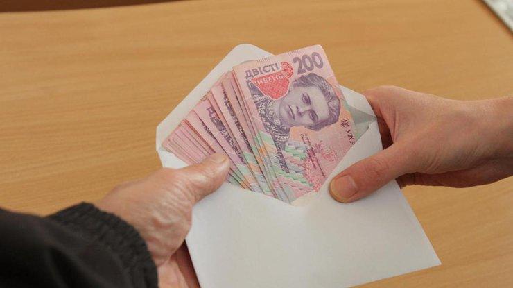 Зарплата в конверте / Фото: segodnya.ua