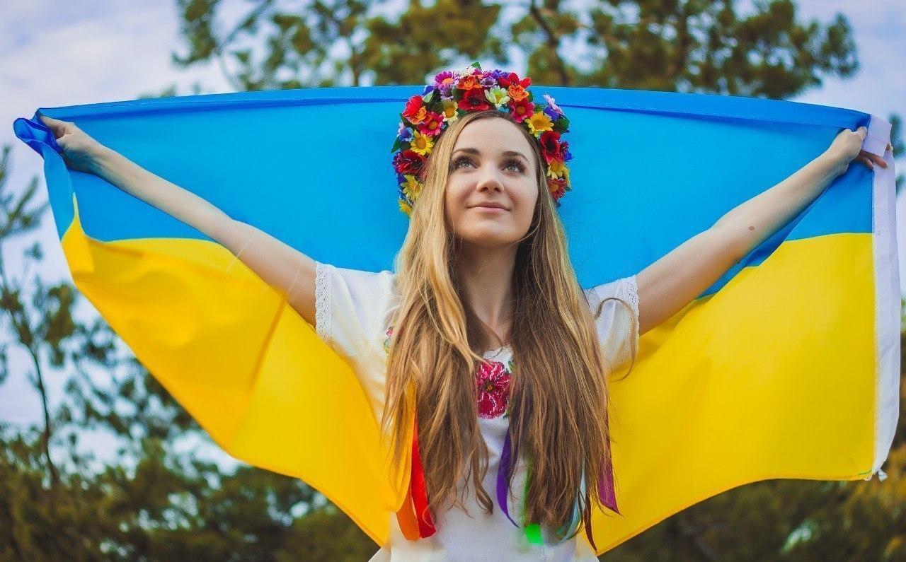попадают украинки фото в мире школы нина решила