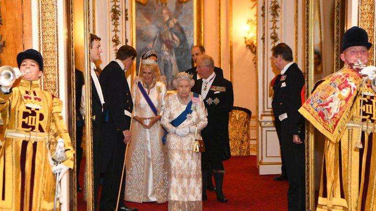 Внебрачный сын принца Чарльза объявил права напрестол: «Диана знала»