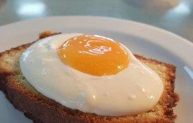 Фото: Лимонный бисквит с кремом и цитрусовым гелем (instagram.com/chefbenchurchill)