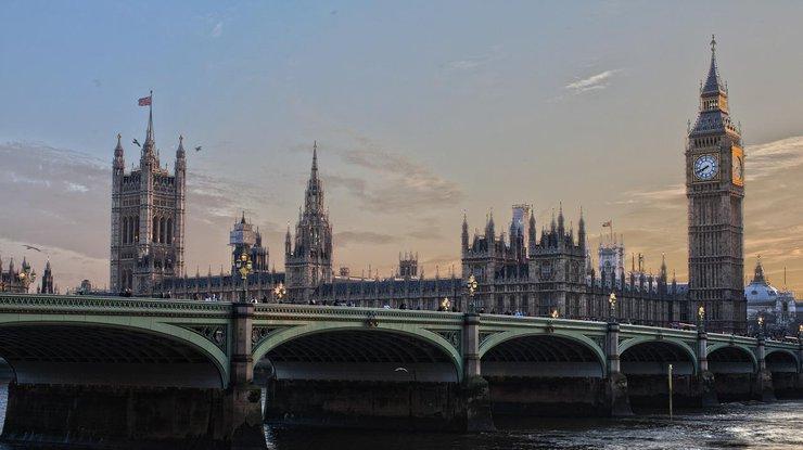 Великобритания ужесточит требования для визы инвестора из-за атаки вСолсбери