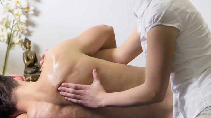 проблема болят плечи причина специалист, могу оказать