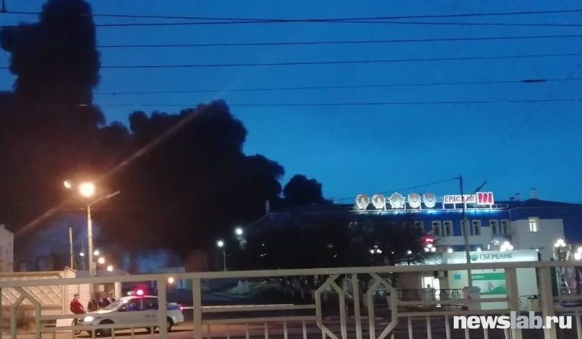 ВКрасноярске полыхает  ракетный завод. Пожару присвоен четвертый ранг трудности  | Красноярский край