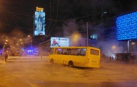 Прорыв трубы у Ocean Plasa / Фото: Опанасенко Евгений