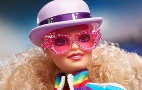 В честь Элтона Джона выпустили Барби/ Фото: bykvu.com
