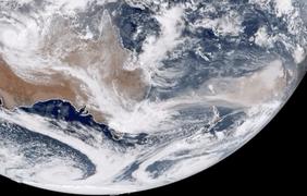 Дым от пожаров в Австралии над Тихим океаном