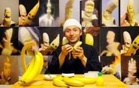 Японец вырезает фигурки из бананов/ Фото: newsyou.info