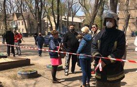 В Запорожье обрушился первый этаж многоквартирного дома/ Фото: ГСЧС Украины