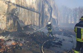 ˣ В Броварах горела овощебаза/ Фото: Facebook