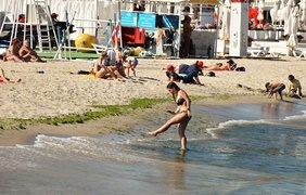 В Одессе открыли купальный сезон/ Фото: Думская