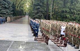 В Харькове прощаются с погибшим в авиакатастрофе Ан-26  Виталием Вильховым / Фото: Юлия Казимир