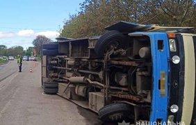 Авария с автобусом/ Фото: https://www.facebook.com/police.in.Rivne.region