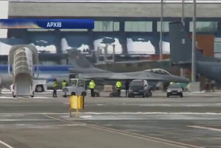 Винищувачі Ф-16 з США відпрацьовують польоти в Естонії