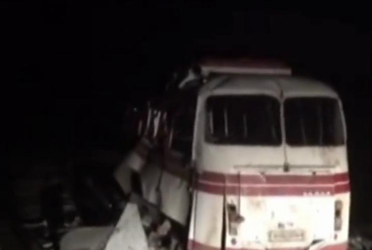 Автобус підірвався на міні при спробі об'їхати блопости