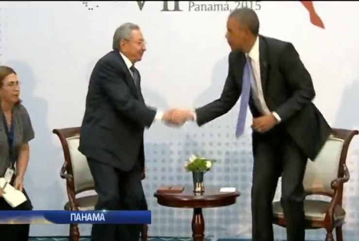 Обама і Кастро провели історичні двосторонні переговори