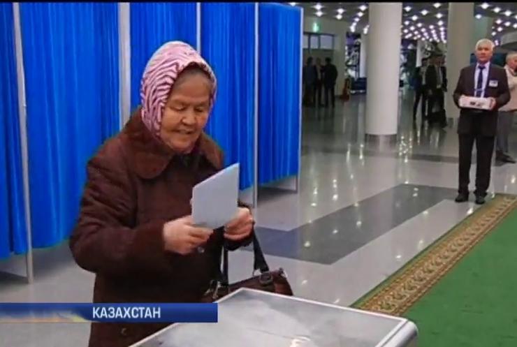 У Казахстані передрікають перемогу Назарбаєва, який править 26 років