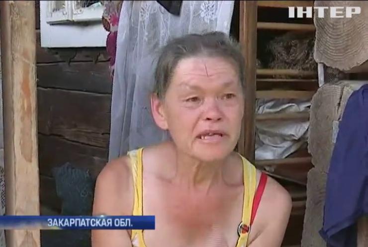 На Закарпатье мать морит голодом дочь-инвалида