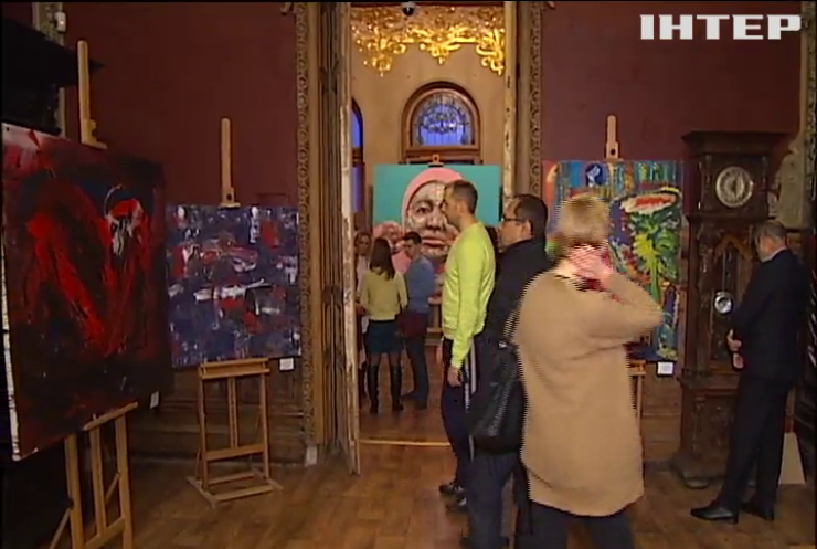 В Киеве открыли выставку украинских женщин-дизайнеров