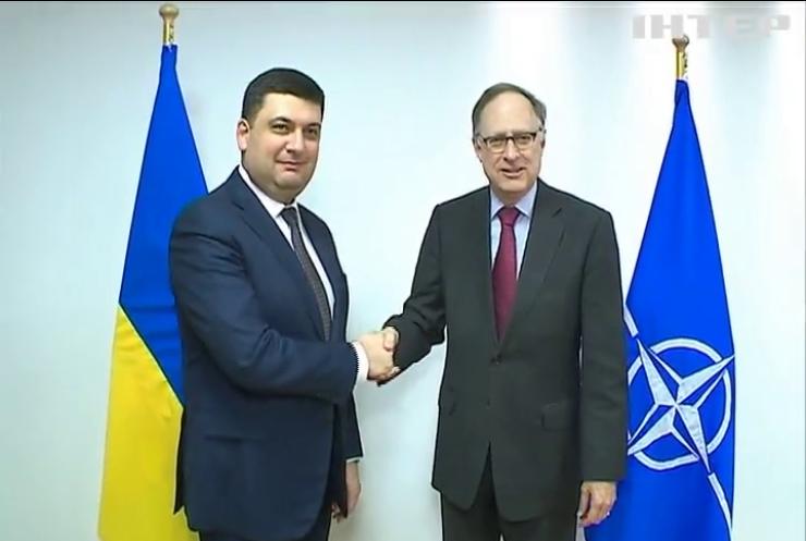 Гройсман обговорив із заступником Генсека НАТО реформи