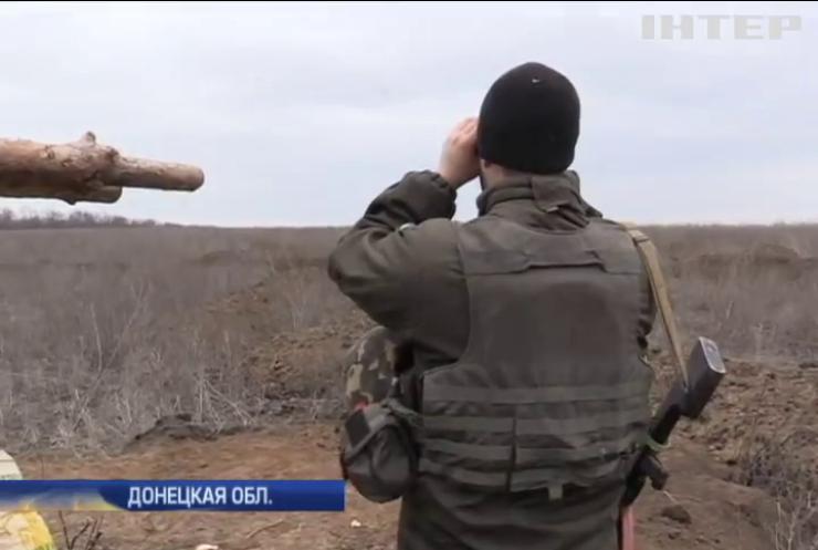 Под Мариуполем снайперы боевиков охотятся на офицеров (видео)