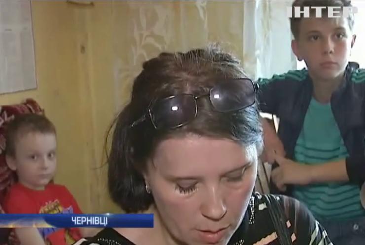 У Чернівцях мати-одиначку виселяють з власної квартири