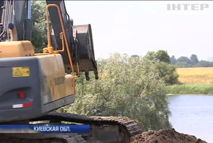 """""""Черные копатели"""" песка под Киевом уничтожают экологию"""