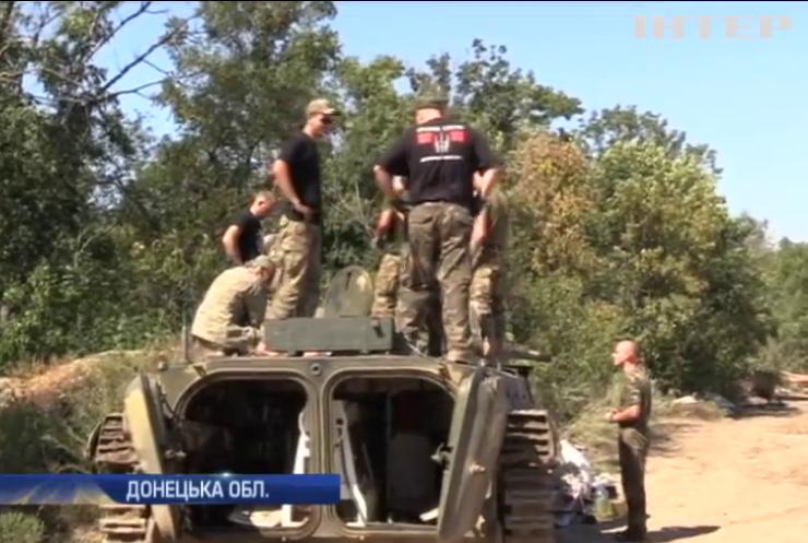Під Луганськом бойовики підтягують танки та БМП