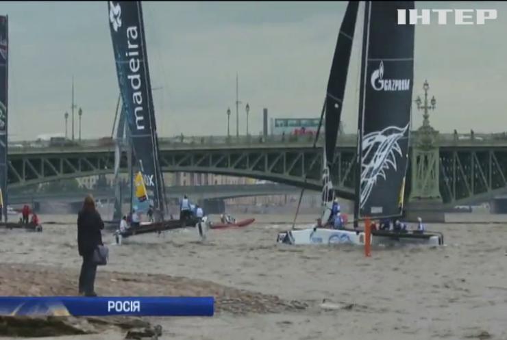 У Санкт-Петербурзі стартували змагання вітрильників