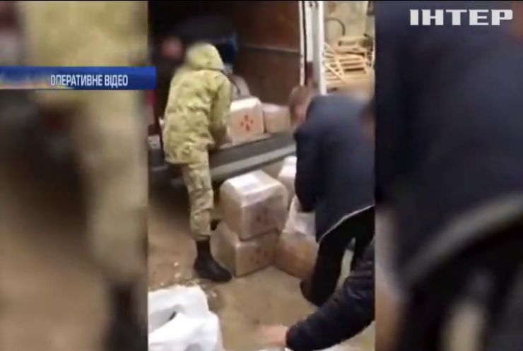 На Одещині прикордонники виявили тонну підробленого алкоголю