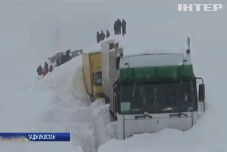 В Таджикистані через сходження лавини загинули сім людей