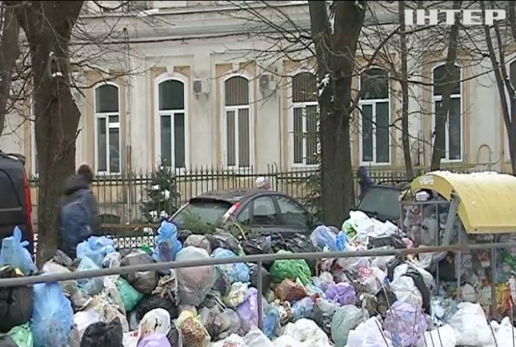 """Львовский мусор """"путешествует"""" по всей Украине"""