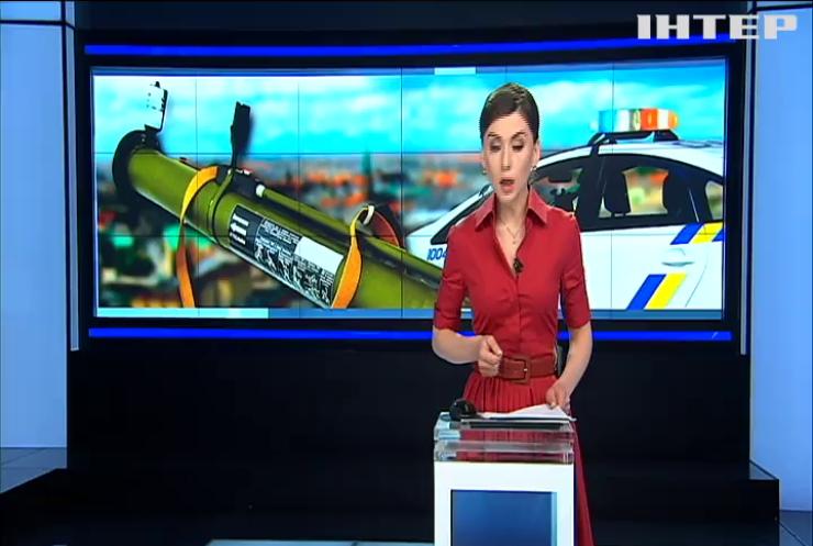 В Ривне из противотанкового гранатомета обстреляли управление полиции