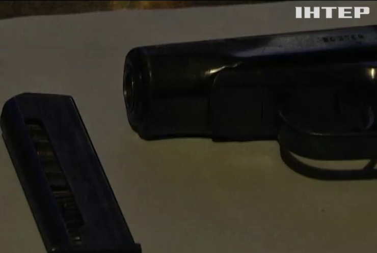 Під Харковом затримали чоловіка з пістолетом