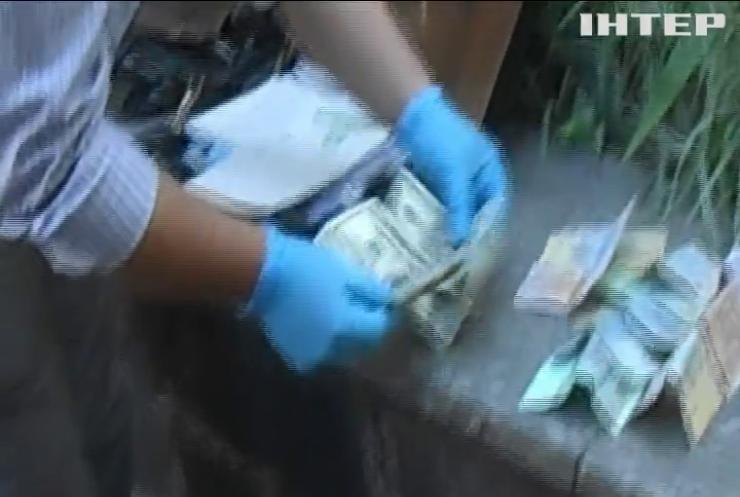 На Закарпатті затримали чиновників-корупціонерів