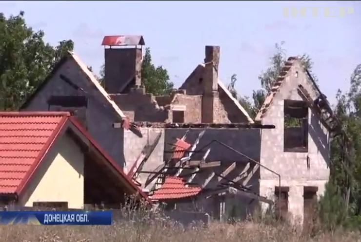 Поселок Водяное боевики обстреливают зажигательными боеприпасами
