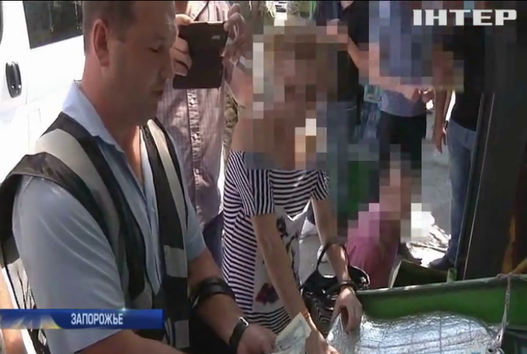 В Запорожье мать пыталась продать сына за 5 тыс. долларов