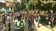 Беспорядки во США: активисты сбросили статую солдата Конфедерации