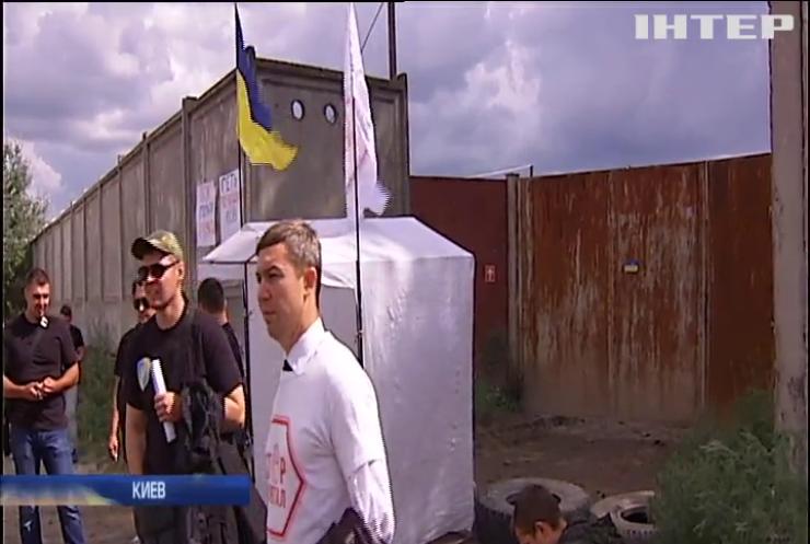 """Незаконная добыча песка """"вымывает"""" из Киева сотни миллионов гривен - активисты"""