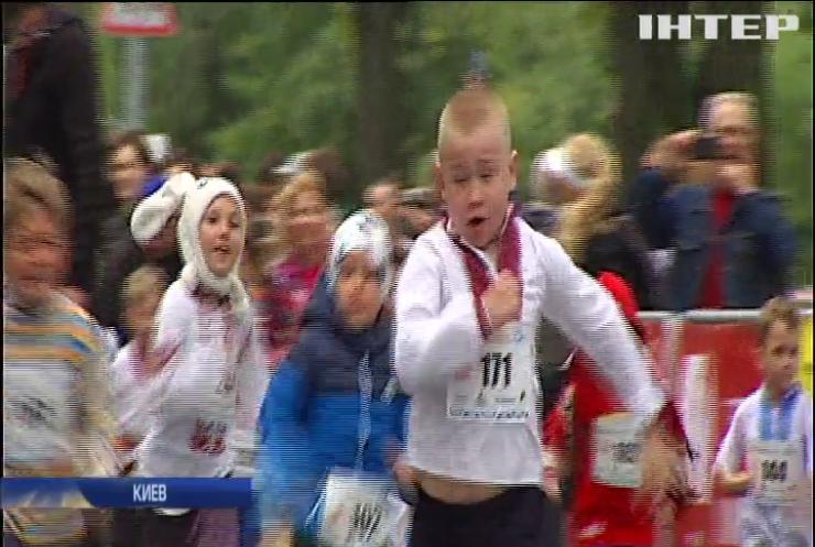 Забег в вышиванках: киевляне провели традиционный марафон