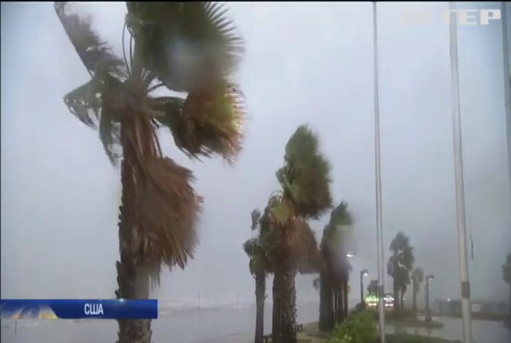 """На США обрушился сильнейший за 12 лет ураган """"Харви"""" (видео)"""