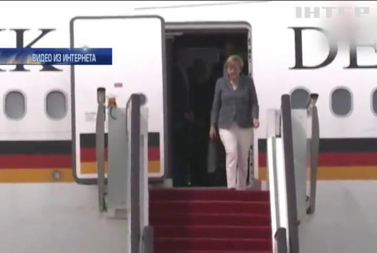 На Ангелу Меркель подали в суд за злоупотребление служебным положением