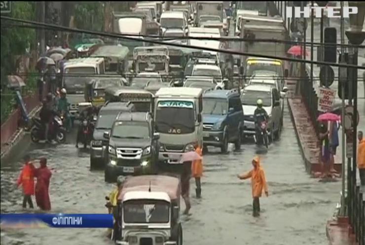 На Філіппінах тропічний шторм забрав життя 3 людей