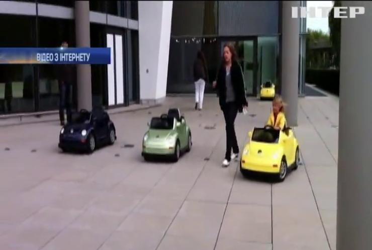 В Німеччині дітям видаватимуть права на кермування автомобілем