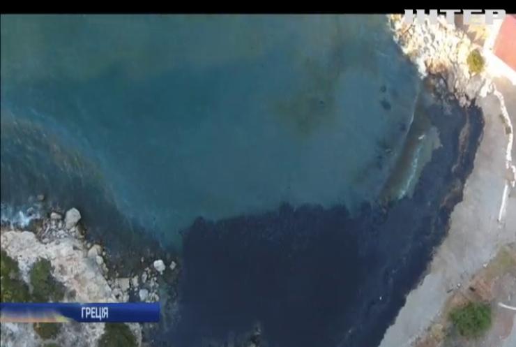Біля узбережжя Греції утворилася нафтова пляма