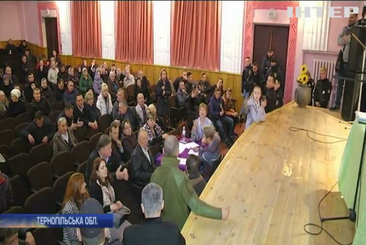 У Почаєві депутати відмовилися передавати землю Лаврі