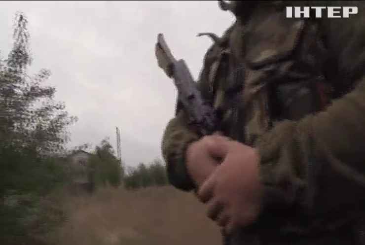 Бойовики обстріляли військових біля Луганського з БМП