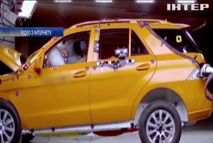 Mercedes виявив небезпечну неполадку: відкликають мільйони авто