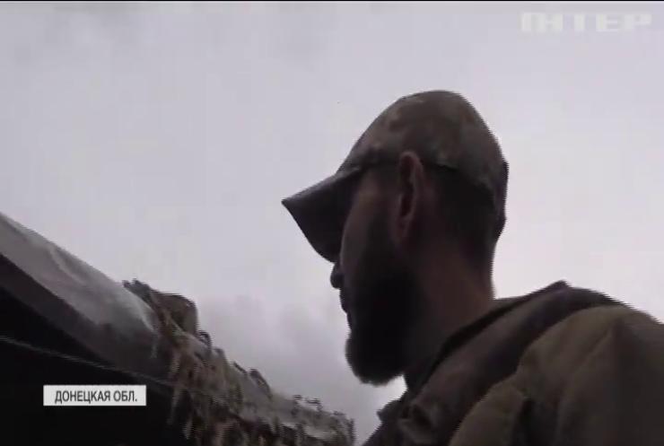 Война на Донбассе: под Майорском отражают ночные атаки боевиков