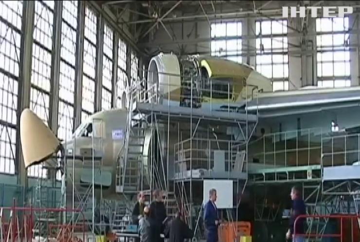"""Україна отримає багатомільйонне замовлення на """"Ан-74"""" зі США"""